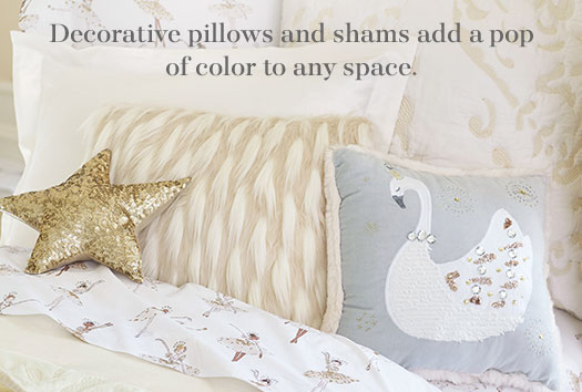 Decorative Pillows & Blankets