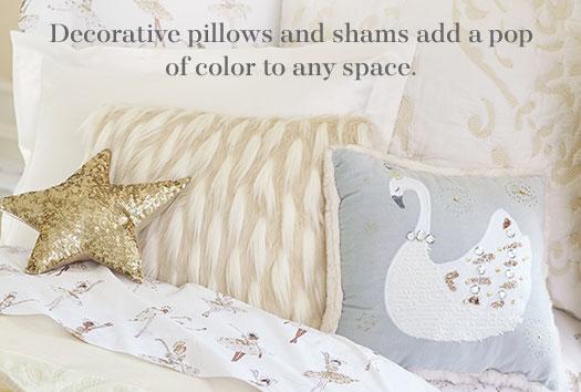 Decorative Pillows & Blankets