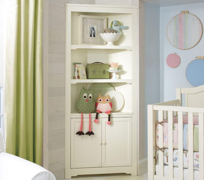 Classic corner cabinet o