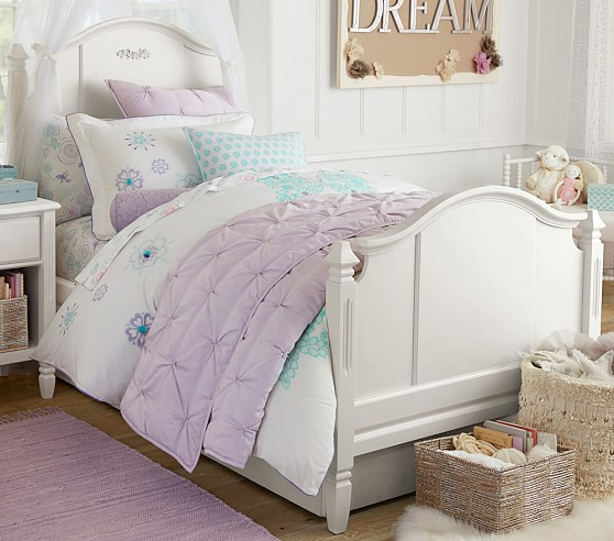 Madeline bedroom set pottery barn kids for Pottery barn kids rooms