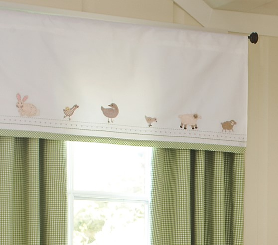 Cottontail Friends Valance