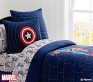 <em>Captain America</em> Quilt, Twin